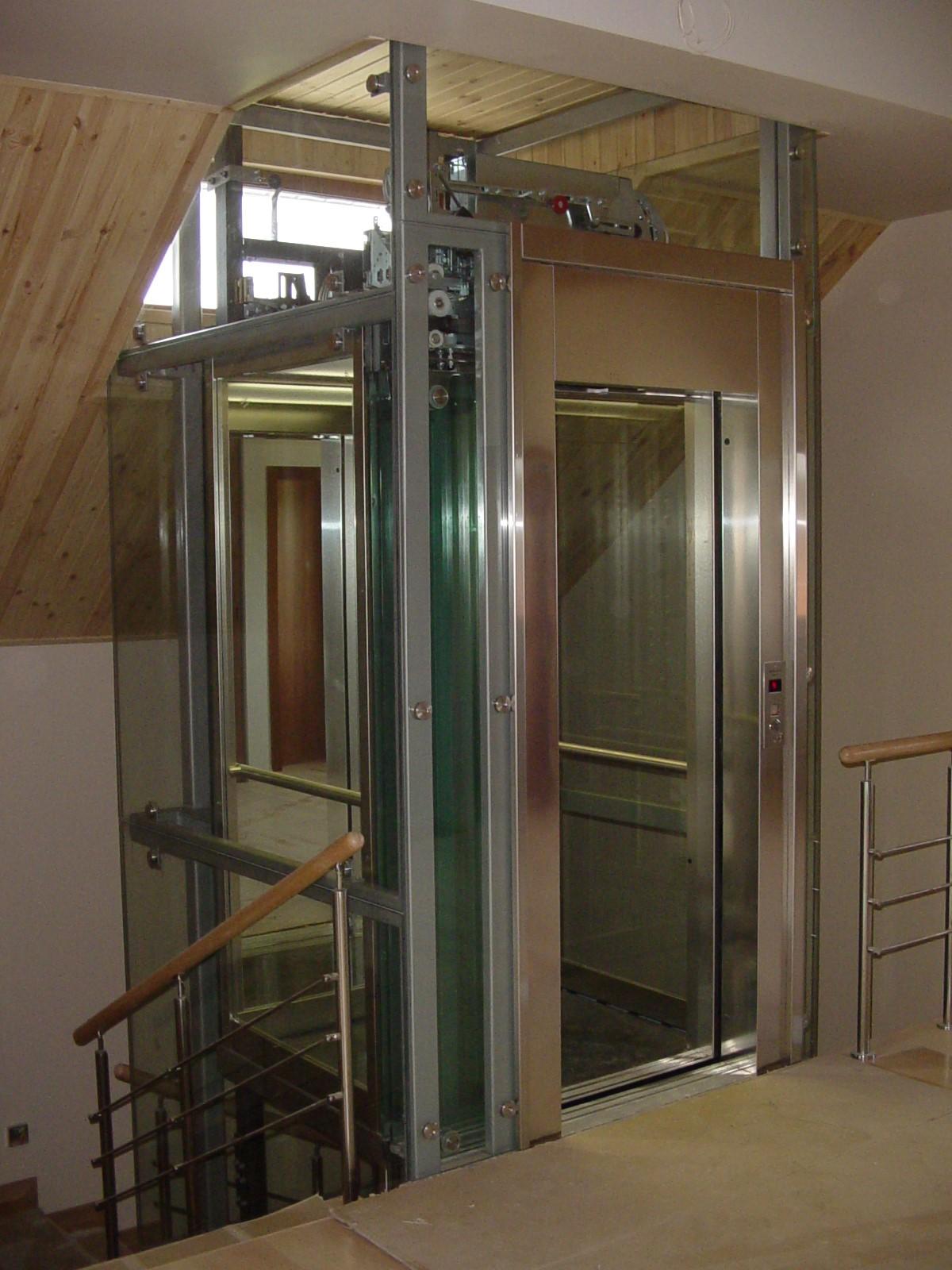 Монтаж лифта Домус Лифт в коттедж